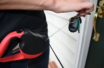 HipLeash with retractable key chain
