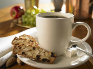 almondina cookies with coffee