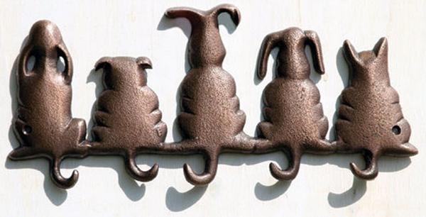 Multi-critter wall hooks